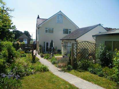 5 Bedrooms Detached House for sale in Upton, Poole, Dorset