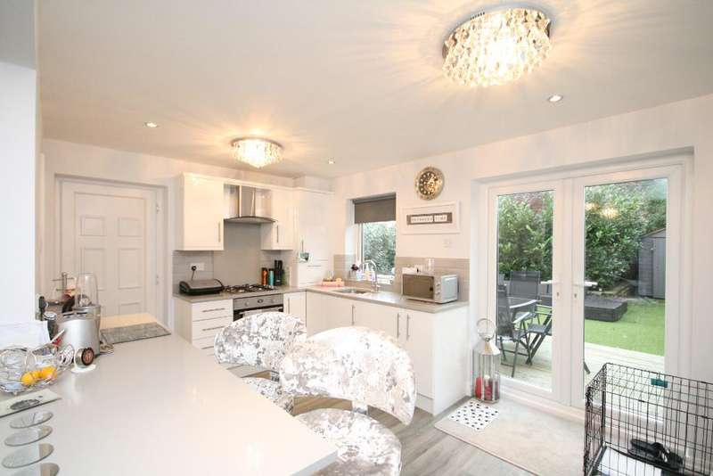 4 Bedrooms Semi Detached House for sale in Devonshire Road, Southport, PR9 7BX