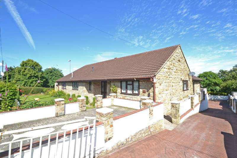 3 Bedrooms Detached Bungalow for sale in Denby Dale Road West, Calder Grove, Wakefield