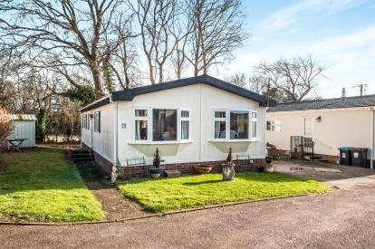 2 Bedrooms Mobile Home for sale in Flaunden Park, Flaunden, Hemel Hempstead, Hertfordshire
