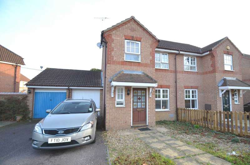 3 Bedrooms Semi Detached House for sale in Oldbrook