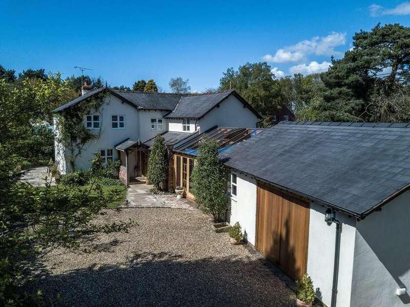 4 Bedrooms Detached House for sale in Stand House, Cotebrook, CW6 9EF