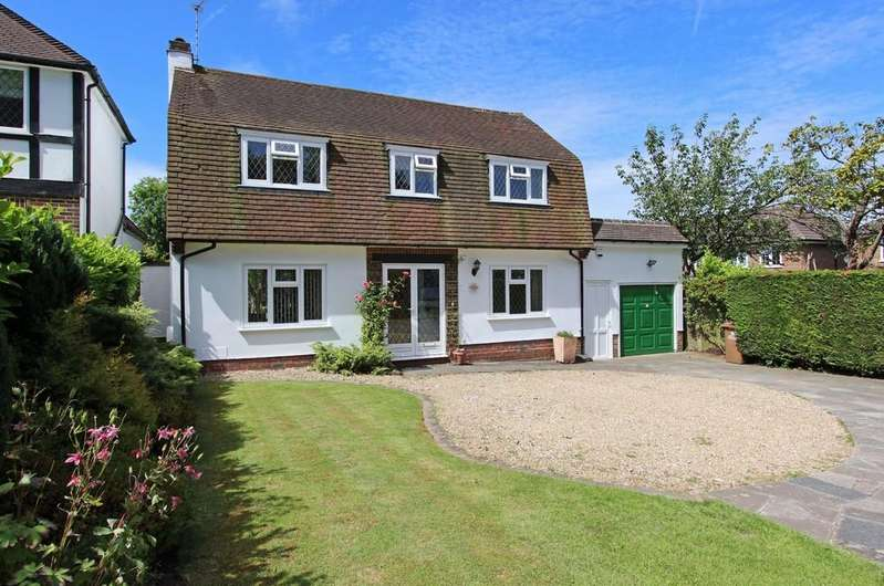 3 Bedrooms Detached House for sale in Sutton Lane, Banstead