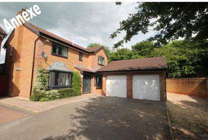 4 Bedrooms Detached House for sale in Lower Moor Road, Yate, Bristol, South Gloucestershire