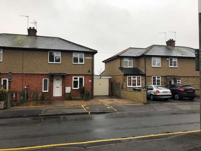 3 Bedrooms Semi Detached House for rent in ROSE GARDENS, West watford, WATFORD, Herts, Wd18 0JB