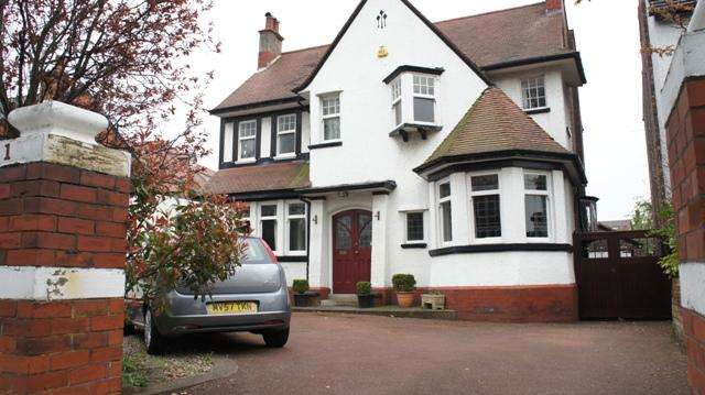 5 Bedrooms Detached House for sale in Rutland Road, Southport, Southport, PR8 6PB