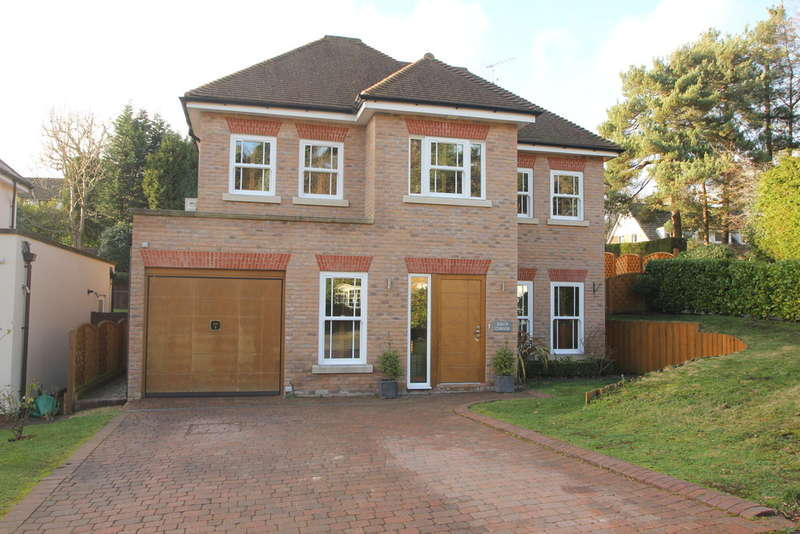 6 Bedrooms Detached House for sale in Birch Vale, Cobham