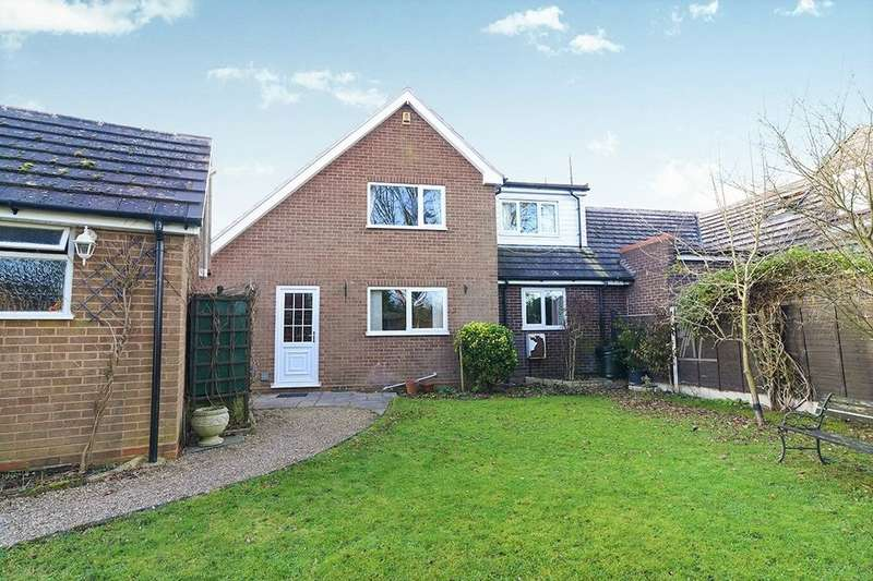 3 Bedrooms Semi Detached House for sale in School Lane, Cutnall Green, Droitwich, WR9