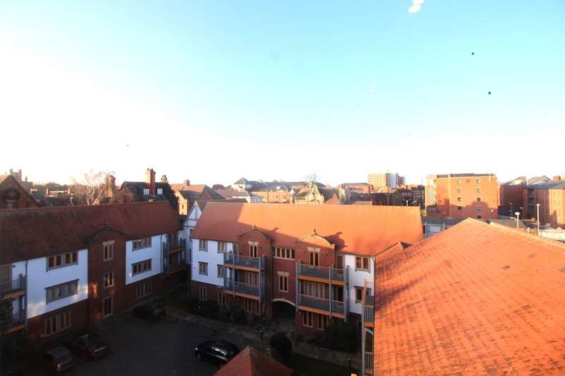 2 Bedrooms Flat for sale in Foregate Street, Chester, CH1