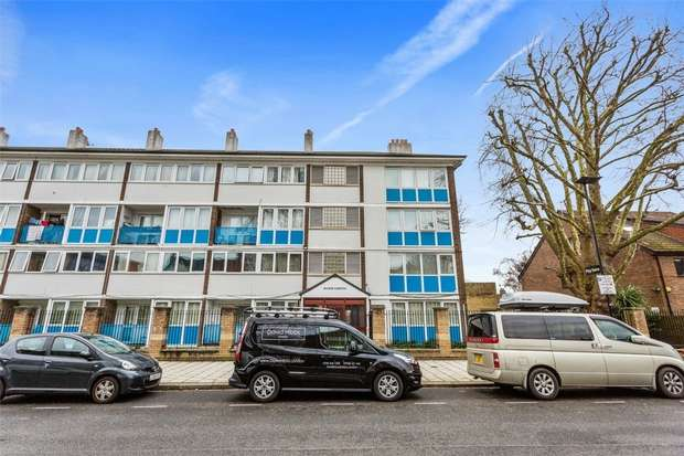 3 Bedrooms Flat for sale in Manor Gardens, Devonshire Road, Chiswick