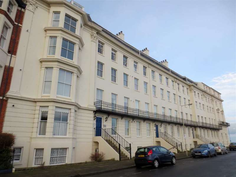 2 Bedrooms Apartment Flat for sale in Prince of Wales Terrace, Scarborough