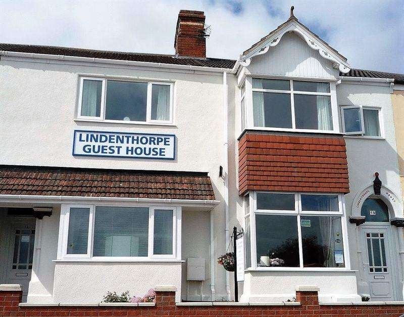 11 Bedrooms Guest House Commercial for sale in GRANT STREET, CLEETHORPES