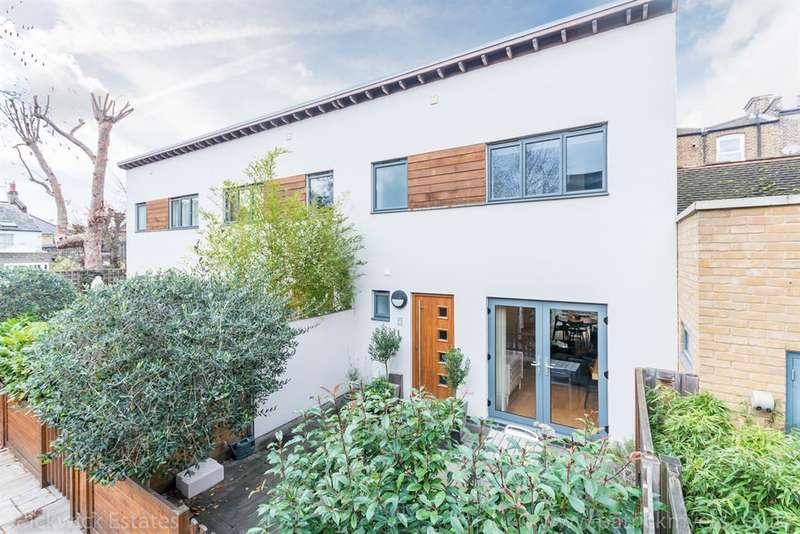 2 Bedrooms Mews House for sale in Laurel Mews , Harbour Road , London, SE59BA