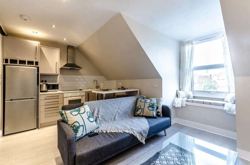 2 Bedrooms Flat for sale in Temple Road, Croydon, CR0