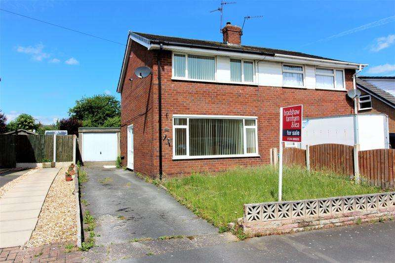 3 Bedrooms Semi Detached House for sale in The Boulevard, Broughton