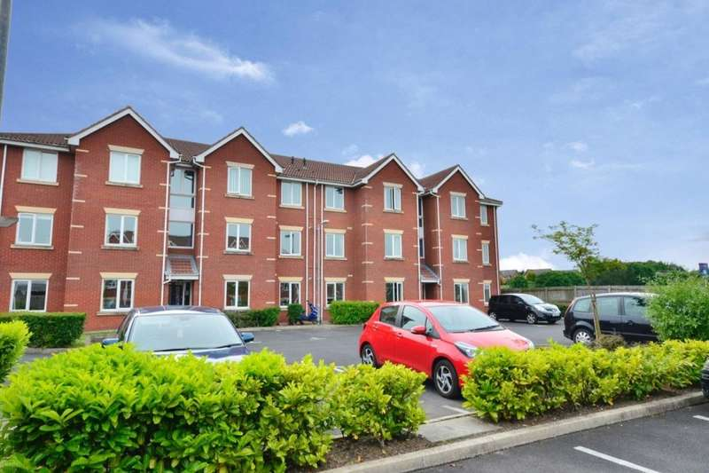 2 Bedrooms Flat for rent in Pear Tree Place, Farnworth, Bolton, BL4