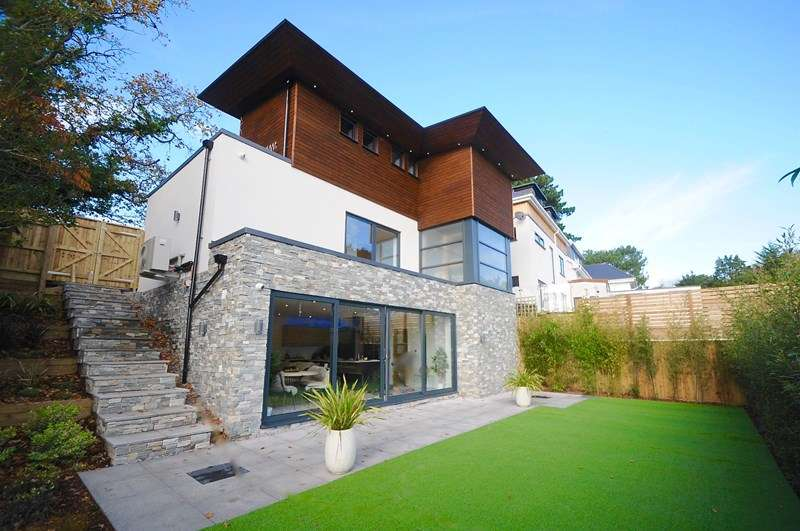 3 Bedrooms Detached House for sale in Excelsior Road, Lower Parkstone, Poole