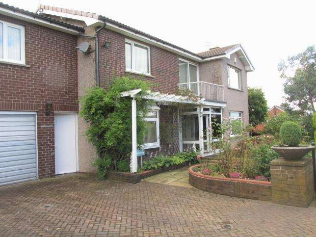 4 Bedrooms Detached House for sale in Melrose Avenue Oswaldtwistle Accrington