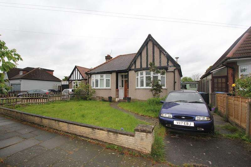 2 Bedrooms Detached House for sale in Manorway, Bush Hill Park, EN1