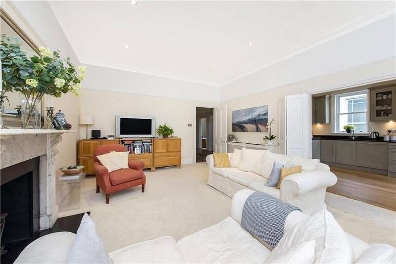 3 Bedrooms Flat for sale in Belsize Park Gardens, Belsize Park, London, NW3