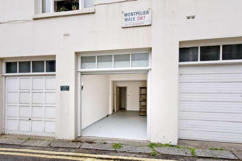 1 Bedroom Flat for sale in Rutland Gate, Knightsbridge SW7