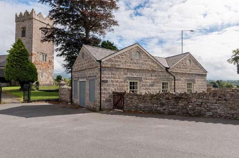 3 Bedrooms Cottage House for sale in Llanbeblig Road, Caernarfon, North Wales