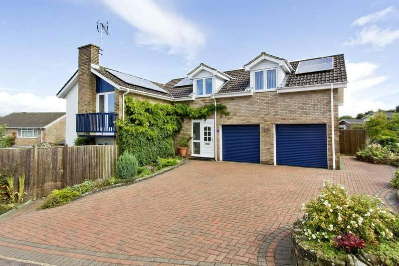 5 Bedrooms Detached House for sale in Eridge Gardens, Crowborough