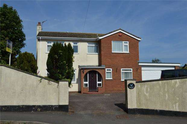 4 Bedrooms Detached House for sale in Exeter Road, Teignmouth, Devon