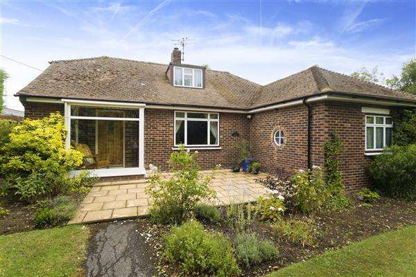 3 Bedrooms Detached House for sale in Hogs Breath House, London Road, Dunkirk