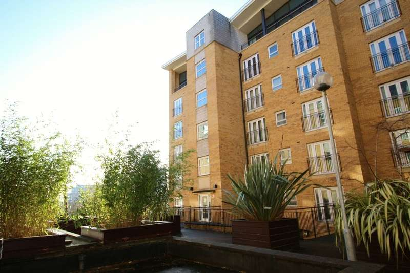2 Bedrooms Flat for sale in Middlewood Street, Salford, M5