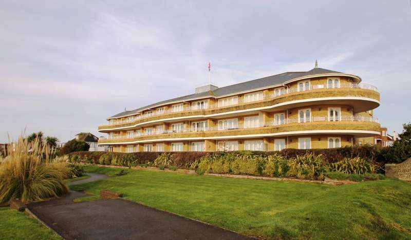 2 Bedrooms Flat for rent in West Parade, Worthing, West Sussex, BN11