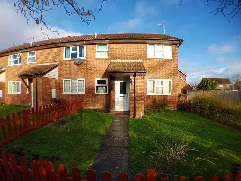 1 Bedroom Maisonette Flat for sale in Armstrong Way, Reading, Berkshire, RG5