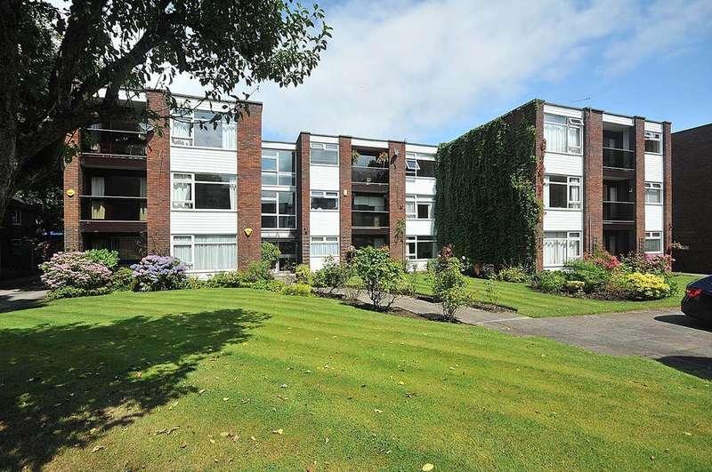 2 Bedrooms Ground Flat for sale in Denewood Court, Wilmslow
