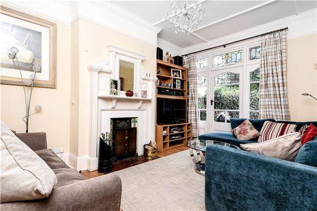5 Bedrooms Semi Detached House for sale in Hilldown Road, LONDON, SW16 3DZ