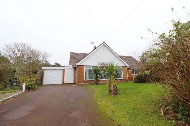 3 Bedrooms Bungalow for sale in Drayton Rise, Bexhill-on-Sea, TN39