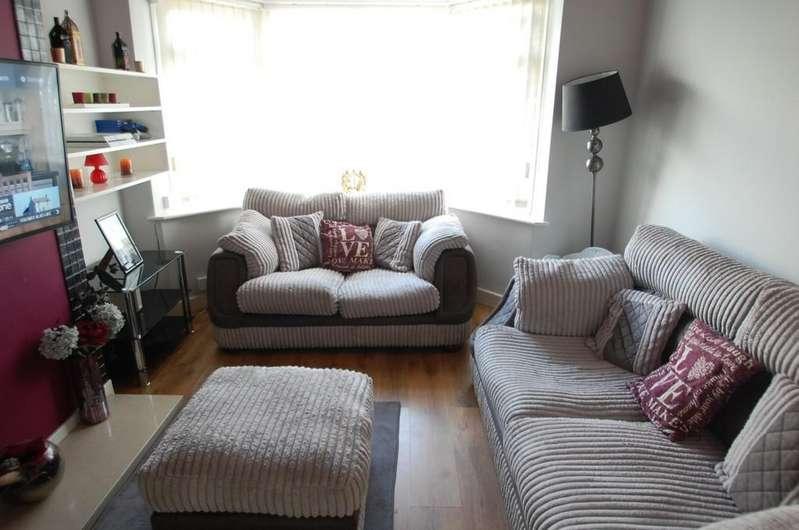 2 Bedrooms Semi Detached Bungalow for sale in Fecitt Brow, Intack, Blackburn