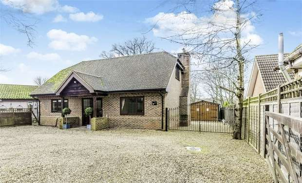 3 Bedrooms Detached House for sale in Beechwood Drive, Meopham, Gravesend, Kent