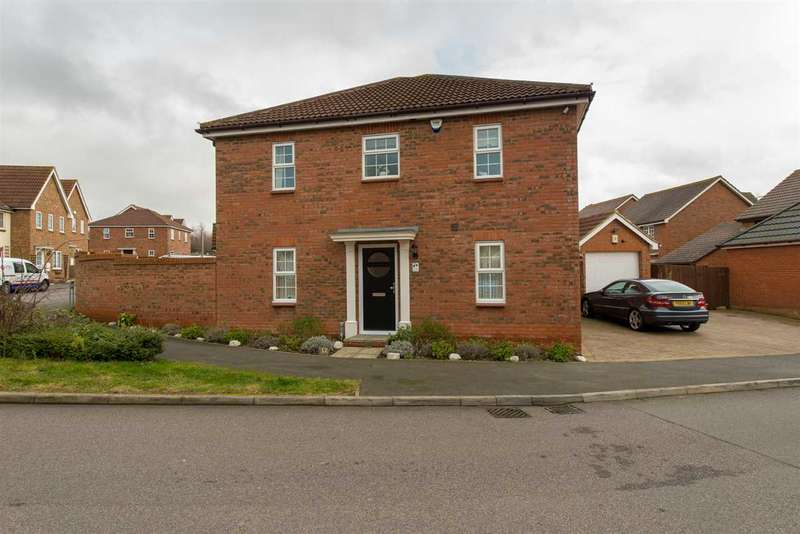 4 Bedrooms Detached House for sale in Bellflower Avenue, Minster