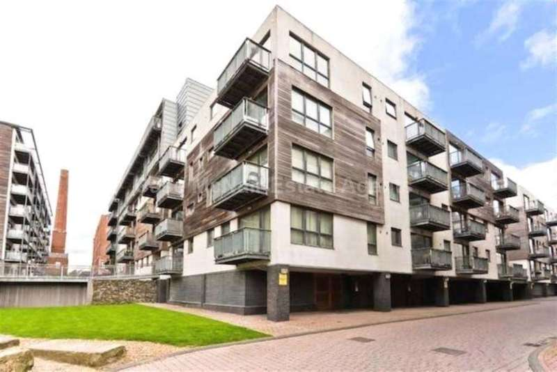 2 Bedrooms Apartment Flat for sale in Advent House, Isaac Way, Manchester, M4 7ED