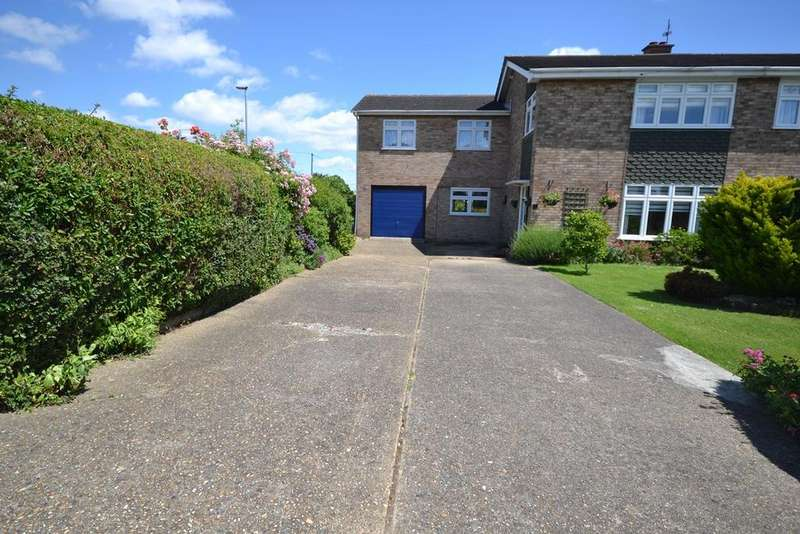 3 Bedrooms Semi Detached House for sale in Williamsons Way, Corringham, Stanford-le-Hope, SS17