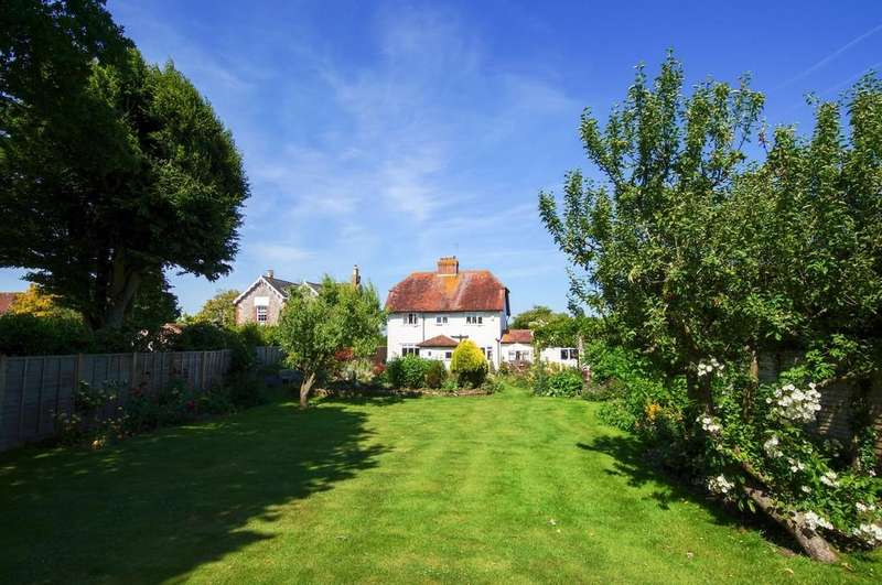 5 Bedrooms Detached House for sale in Mill Lane, nr Sidlesham Quay