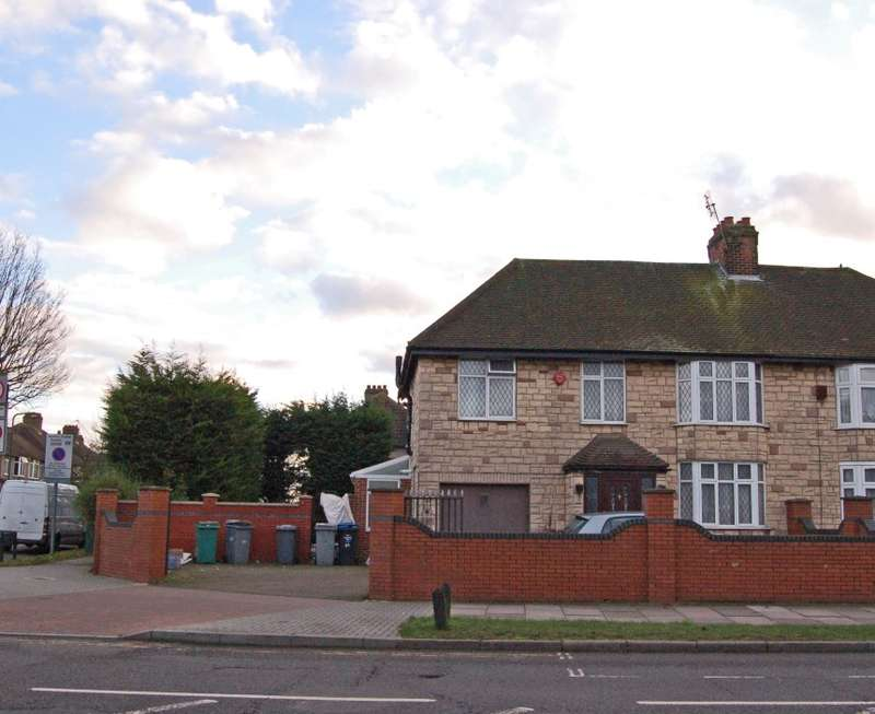 4 Bedrooms Semi Detached House for sale in East Lane, Wembley, Middlesex, HA0 3NS
