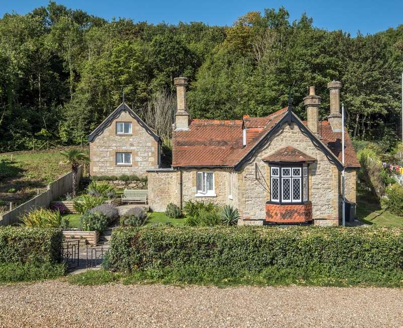 5 Bedrooms Cottage House for sale in Seaview, Isle Of Wight
