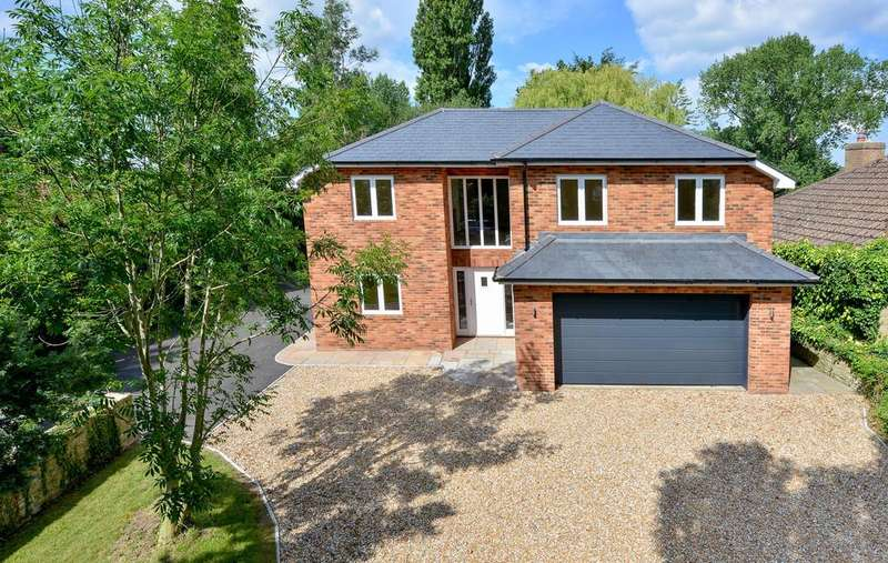 5 Bedrooms Detached House for sale in The Street, Appledore, Kent TN26 2AE