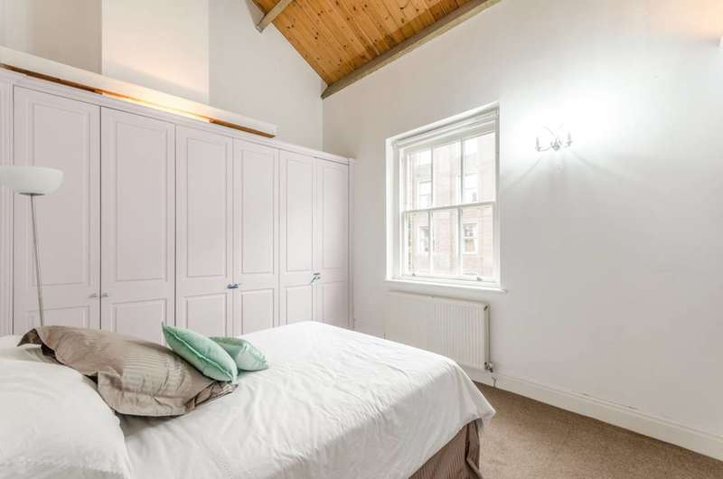 2 Bedrooms House for rent in Hardwicke Mews, Finsbury, WC1X