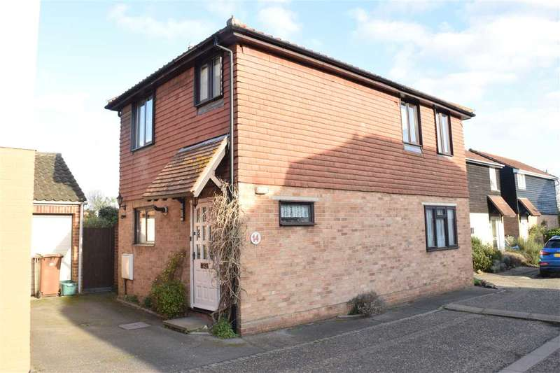 3 Bedrooms Detached House for sale in Clarence Close, Chelmsford