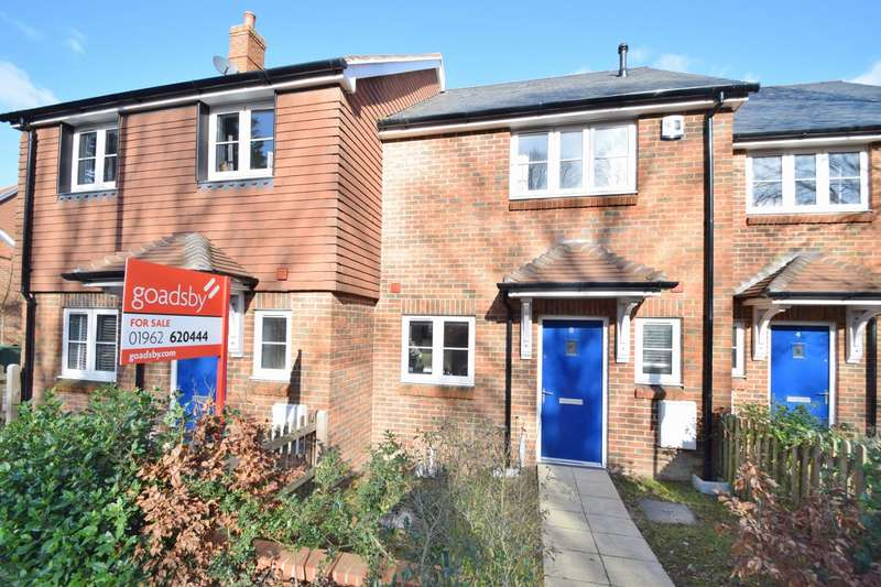 2 Bedrooms Terraced House for sale in Badger Farm
