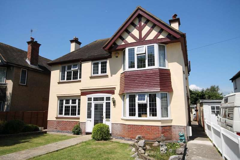 4 Bedrooms Detached House for sale in Poulters Lane, Worthing BN14 7SP