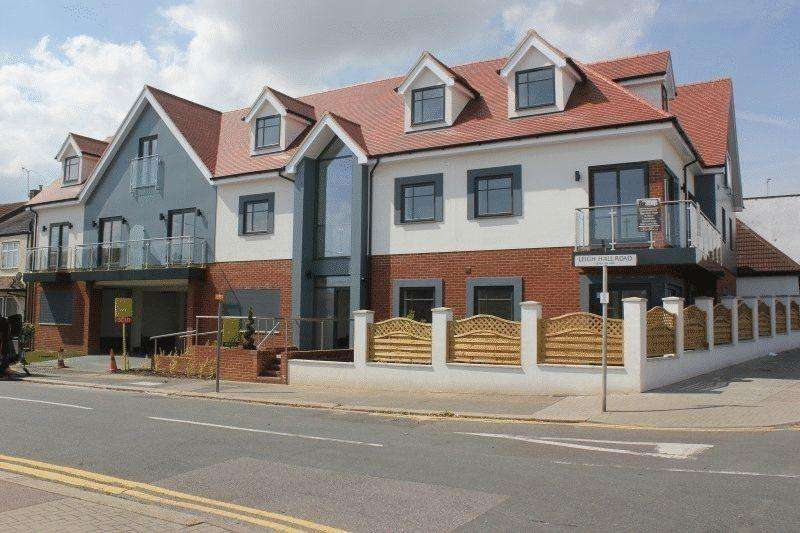 1 Bedroom Flat for sale in London Road, Leigh-On-Sea