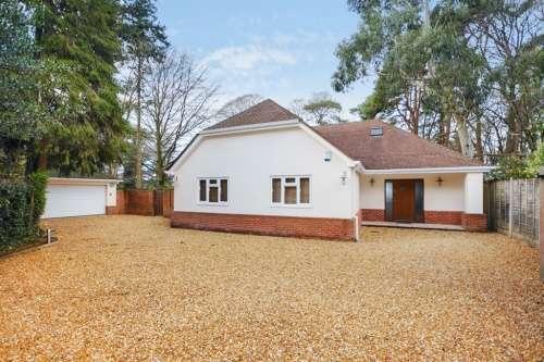 5 Bedrooms House for sale in Moorside Road, West Moors, Ferndown , Dorset